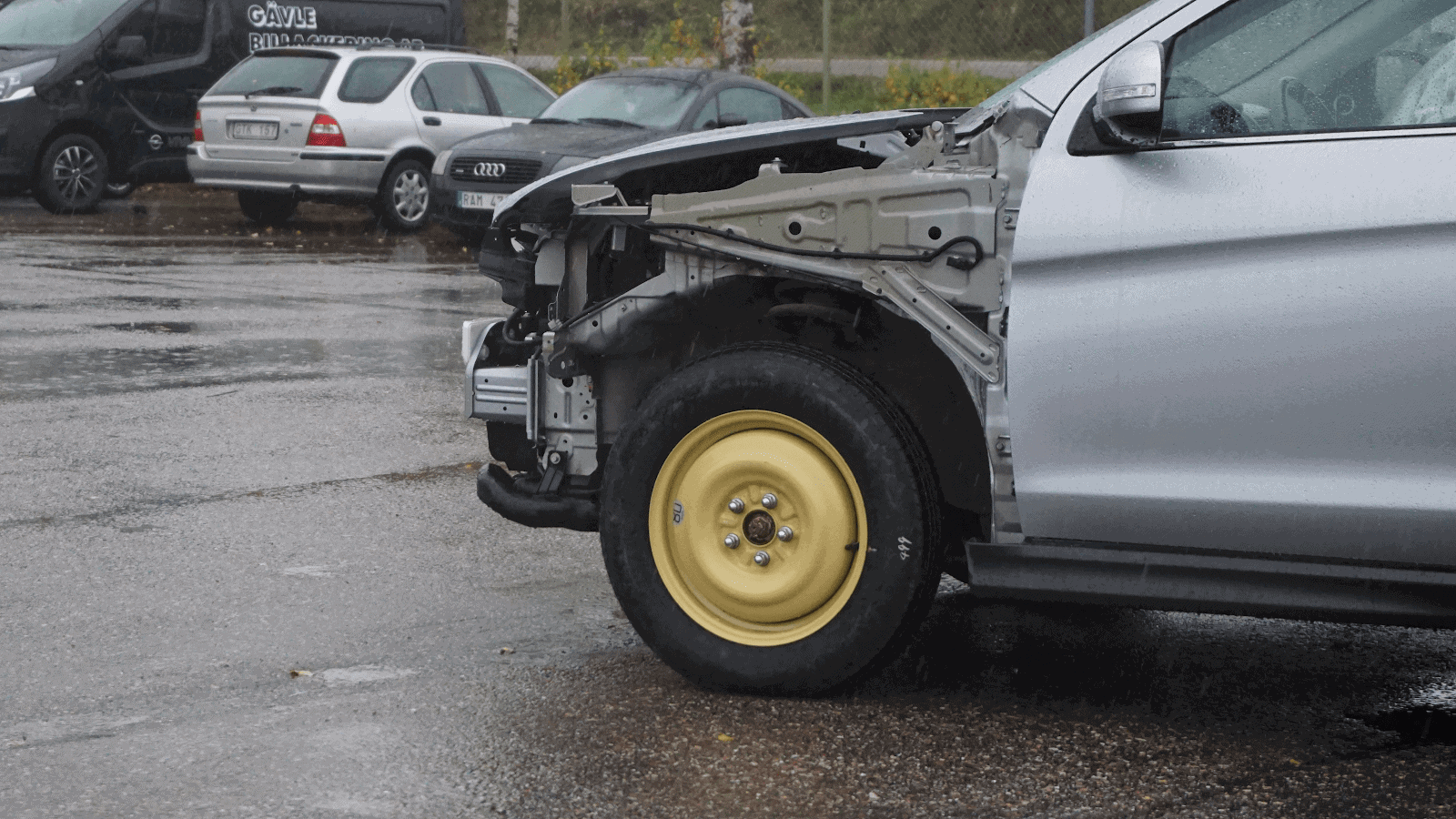 A car with a spare tire