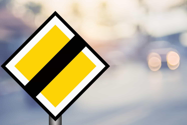 vägmärken och trafikskyltar